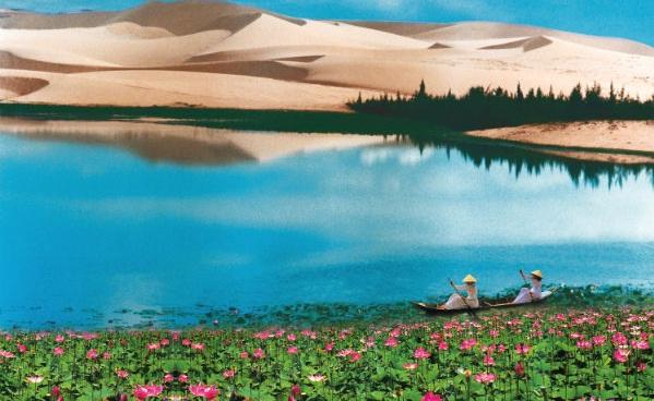 Lady Lake in White Sand Dunes