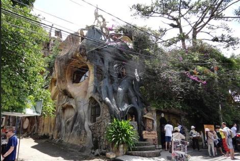 Look like an Banyan tree