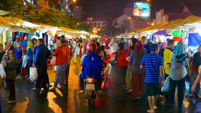 ben thanh market night