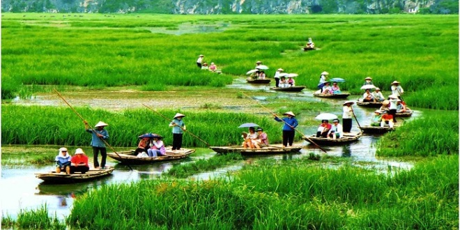 Sampan on Tam Coc